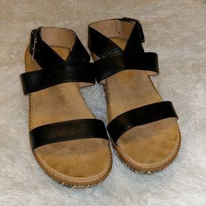 Vionic Cancun Black Wedges Orthaheel Sandals sz 9